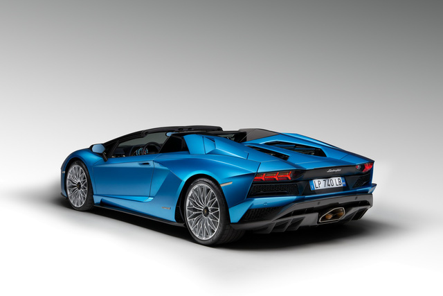 Lamborghini Aventador S LP740-4 mui trần chính thức trình làng, giá từ 10,4 tỷ Đồng - Ảnh 10.