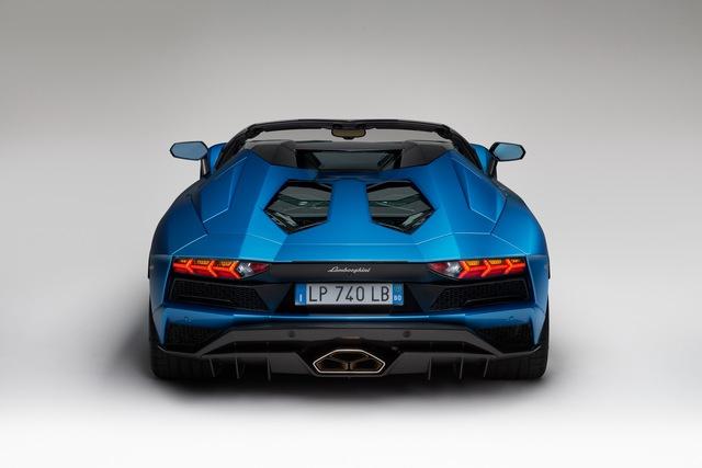Lamborghini Aventador S LP740-4 mui trần chính thức trình làng, giá từ 10,4 tỷ Đồng - Ảnh 6.