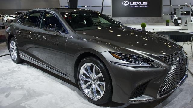 Chiêm ngưỡng vẻ đẹp ngoài đời thực của xe sang cỡ lớn Lexus LS500h 2018