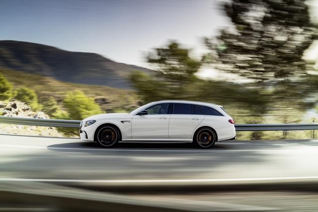 Mercedes-AMG E63 Wagon 2017 - Xe thực dụng cho tín đồ tốc độ - Ảnh 7.