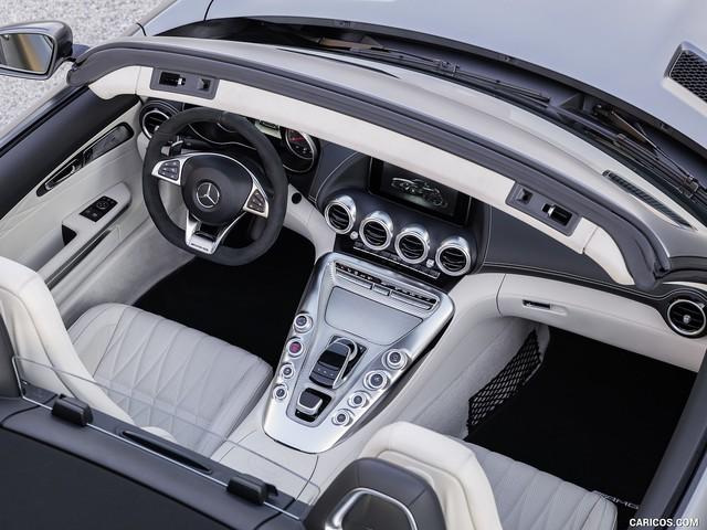 Mercedes-AMG GT mui trần sắp được phân phối chính hãng tại Việt Nam? - Ảnh 3.