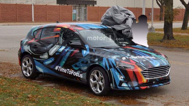 Ford Focus thế hệ mới lộ diện trên phố - Ảnh 3.