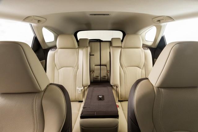 Lexus RX L chính thức gia nhập phân khúc SUV 7 chỗ hạng sang - Ảnh 8.