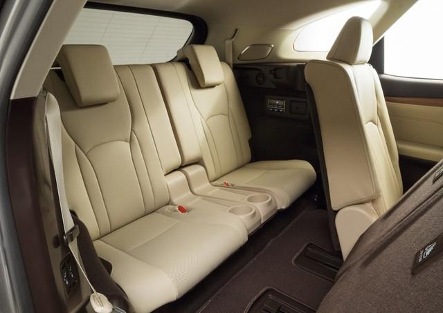 Lexus RX L chính thức gia nhập phân khúc SUV 7 chỗ hạng sang - Ảnh 9.