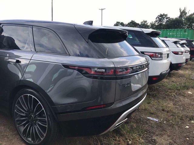 Rộ tin đồn SUV cỡ nhỏ Range Rover Velar sắp về Việt Nam - Ảnh 1.