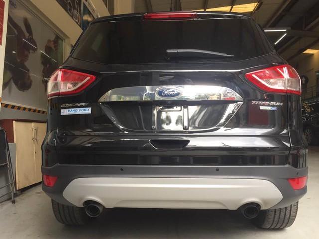 Ford Escape gây bão dư luận có giá 1,2 tỷ Đồng tại Việt Nam - Ảnh 2.