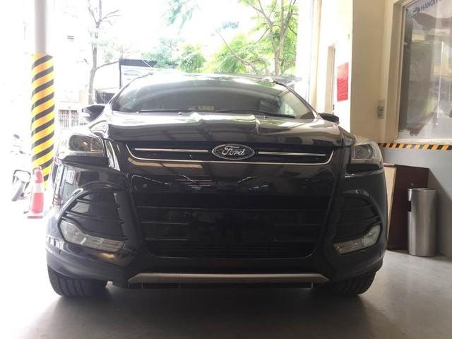 Ford Escape gây bão dư luận có giá 1,2 tỷ Đồng tại Việt Nam - Ảnh 1.
