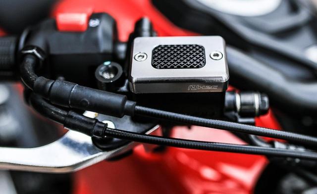 Sướng mắt với Honda CB150R ExMotion chi chít đồ độ - Ảnh 3.