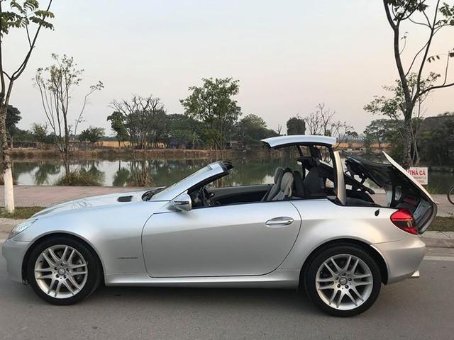 Xe mui trần Mercedes SLK 200 đi hơn 20.000 km rao bán lại chỉ 800 triệu đồng - Ảnh 2.