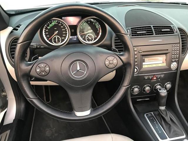 Xe mui trần Mercedes SLK 200 đi hơn 20.000 km rao bán lại chỉ 800 triệu đồng - Ảnh 4.