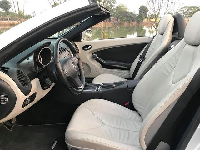 Xe mui trần Mercedes SLK 200 đi hơn 20.000 km rao bán lại chỉ 800 triệu đồng - Ảnh 8.