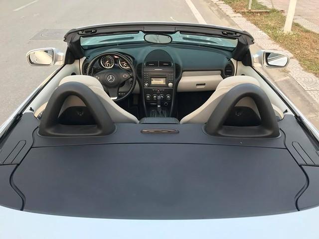 Xe mui trần Mercedes SLK 200 đi hơn 20.000 km rao bán lại chỉ 800 triệu đồng - Ảnh 6.