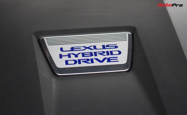 Lexus bán xe hybrid chính hãng đầu tiên Việt Nam - Ảnh 2.