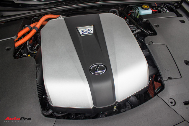 Lexus bán xe hybrid chính hãng đầu tiên Việt Nam - Ảnh 3.