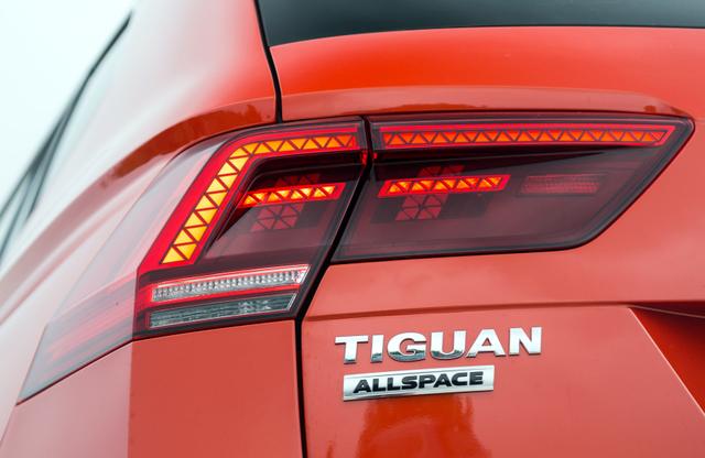 Cạnh tranh Mercedes-Benz GLC, SUV 7 chỗ Volkswagen Tiguan Allspace 2018 có giá 1,7 tỷ đồng - Ảnh 6.