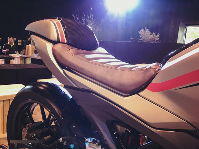 Cận cảnh phiên bản độ chính hãng của naked bike Honda CB150R ExMotion - Ảnh 4.
