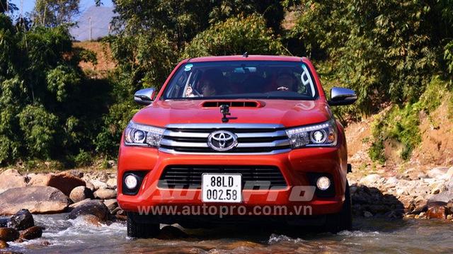 Loạt xe ế ẩm nhất Việt Nam trong tháng 9/2017: Toyota có 2 xe xếp đầu - Ảnh 2.