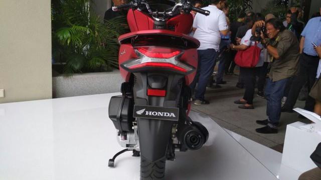 Honda PCX 2018 ra mắt: thiết kế mới, thêm ABS - Ảnh 1.