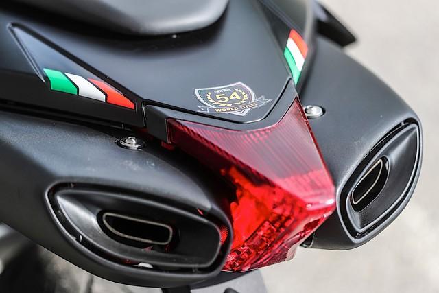 Chi tiết Aprilia Dorsoduro 900 2018 - Đối thủ của Ducati Hypermotard 939 - Ảnh 5.