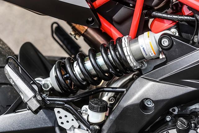 Chi tiết Aprilia Dorsoduro 900 2018 - Đối thủ của Ducati Hypermotard 939 - Ảnh 6.