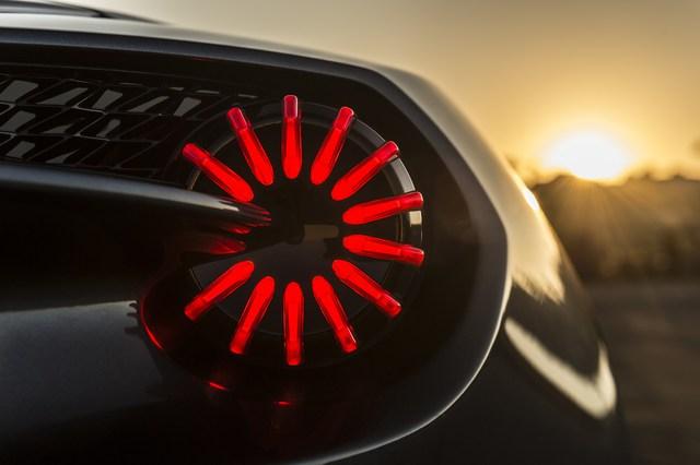 Aston Martin hé lộ thêm 2 phiên bản của dòng siêu xe cực hiếm Vanquish Zagato - Ảnh 7.