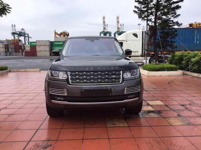 Range Rover SVAutobiography Hybrid đầu tiên được đưa về nước - Ảnh 1.