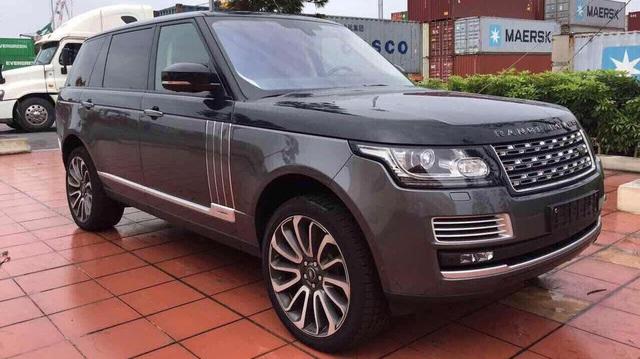 Range Rover SVAutobiography Hybrid đầu tiên được đưa về nước