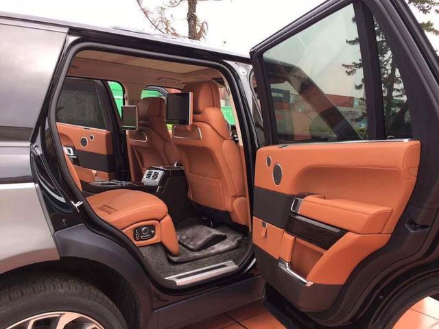 Range Rover SVAutobiography Hybrid đầu tiên được đưa về nước - Ảnh 2.