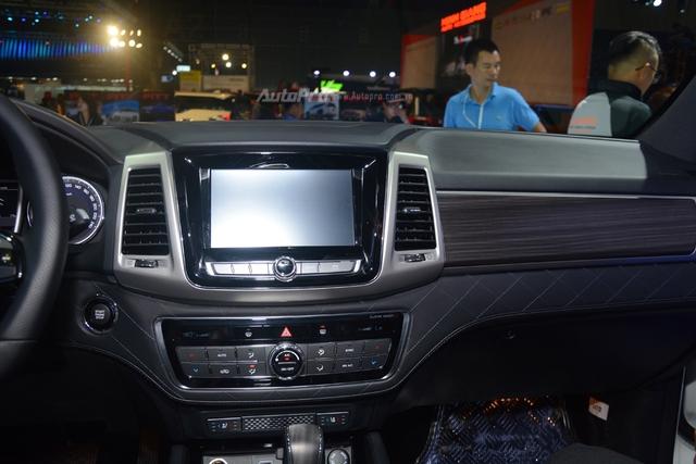 SsangYong G4 Rexton 2018 có gì hot để cạnh tranh cùng Toyota Fortuner - Ảnh 15.