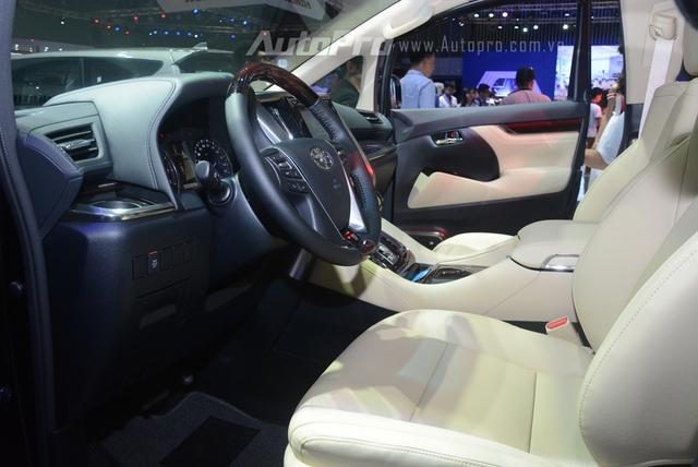 Chi tiết chuyên cơ mặt đất Toyota Alphard phân phối chính hãng 3,533 tỷ Đồng - Ảnh 17.