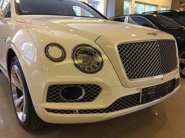 Tay chơi miền Trung đập hộp Bentley Bentayga hơn 20 tỷ Đồng - Ảnh 2.