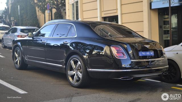 Bắt gặp Bentley Mulsanne Speed First Edition 2016 sang chảnh trên đường phố - Ảnh 4.