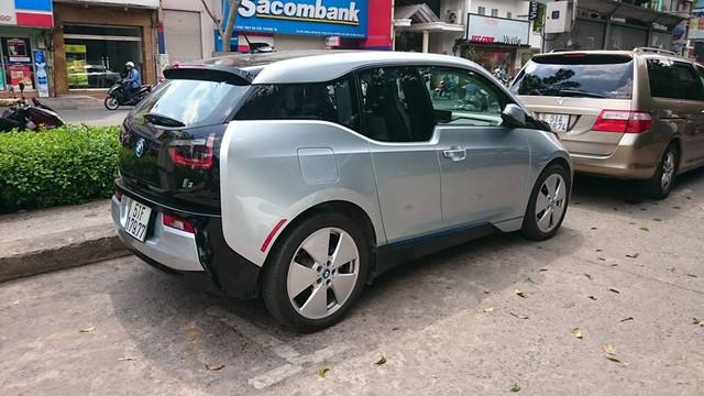 Xe điện BMW i3 của ông chủ Mai Linh tái xuất tại Sài thành - Ảnh 3.
