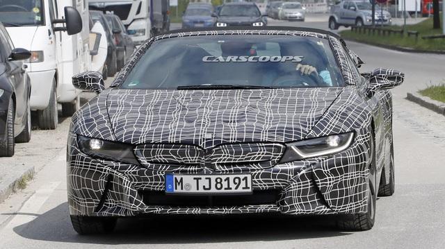 """Phiên bản mui trần của hàng """"hot"""" BMW i8 tại thị trường Việt Nam dự kiến sẽ ra mắt vào tháng 11"""