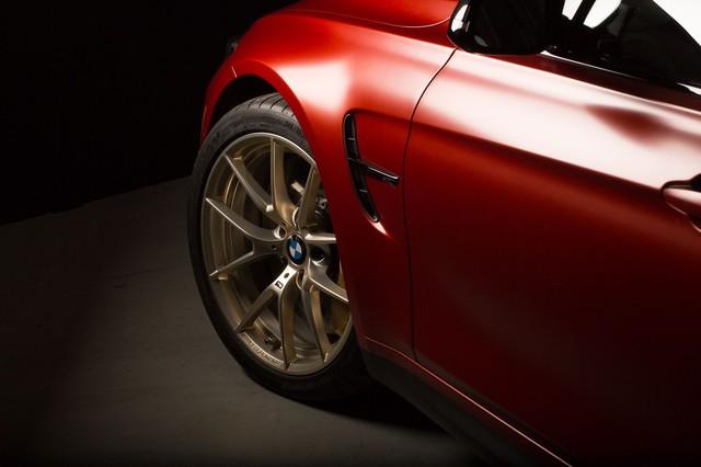 Làm quen với chiếc BMW M3 có một không hai với màu sơn đỏ nhám lạ mắt - Ảnh 4.