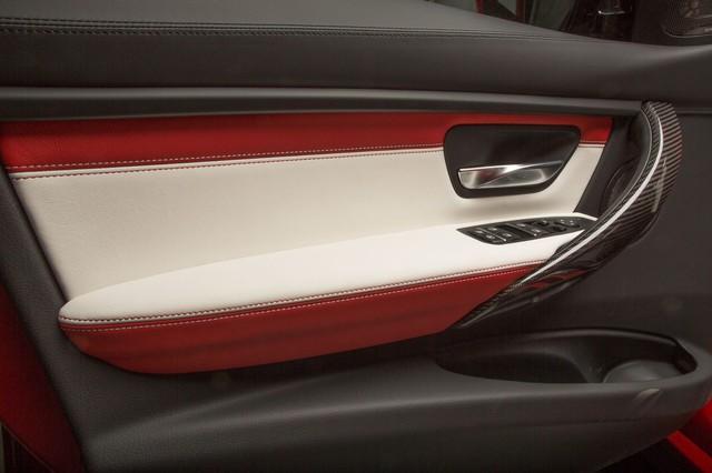 Làm quen với chiếc BMW M3 có một không hai với màu sơn đỏ nhám lạ mắt - Ảnh 13.