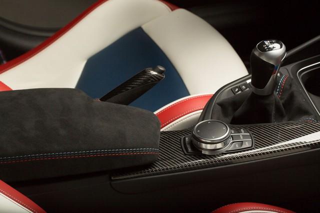 Làm quen với chiếc BMW M3 có một không hai với màu sơn đỏ nhám lạ mắt - Ảnh 11.