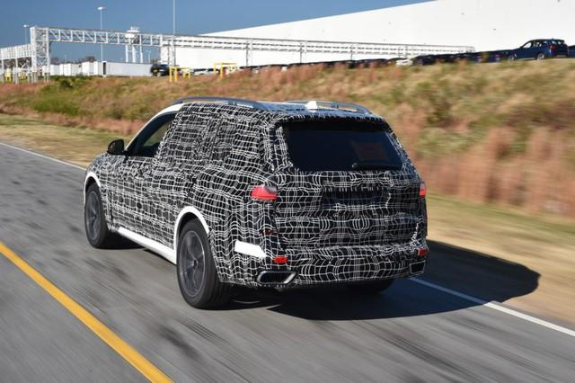SUV đầu bảng BMW X7 lộ diện bản sản xuất trước khi ra mắt - Ảnh 2.
