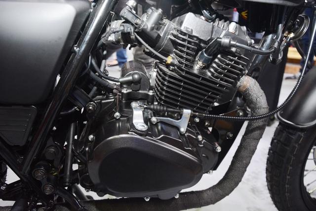 Soi Brixton BX Scrambler giá từ 50 triệu Đồng đang khiến nhiều biker Việt phát thèm - Ảnh 15.