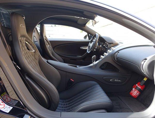 Vẻ đẹp của siêu phẩm Bugatti Chiron đầu tiên rao bán tại Anh - Ảnh 9.