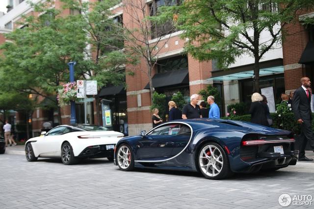 Siêu phẩm Bugatti Chiron đầu tiên cập bến Canada - Ảnh 2.
