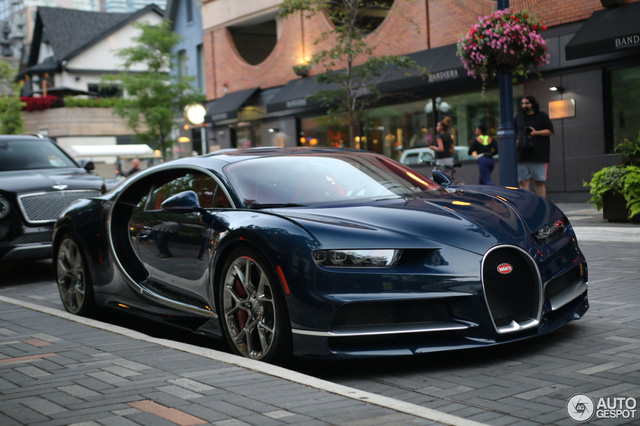 Siêu phẩm Bugatti Chiron đầu tiên cập bến Canada - Ảnh 8.
