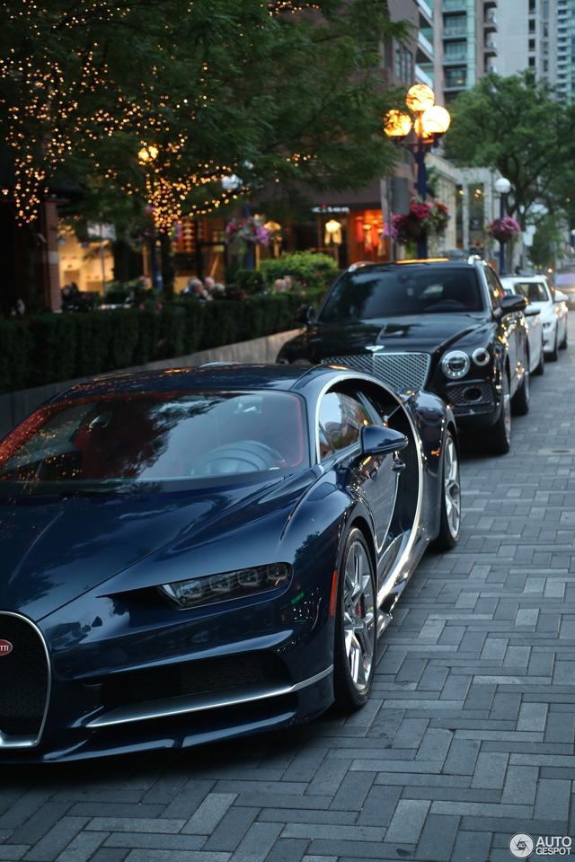 Siêu phẩm Bugatti Chiron đầu tiên cập bến Canada - Ảnh 3.