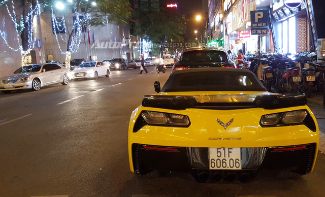 Hàng hiếm Chevrolet Corvette C7 Z06 mui trần biển đẹp dạo chơi tối 29 Tết - Ảnh 3.