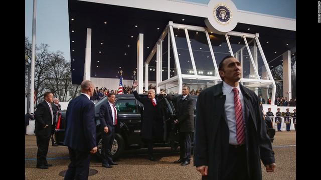 Tân tổng thống Mỹ Donald Trump sử dụng lại xe cũ của ông Obama trong lễ nhậm chức - Ảnh 3.
