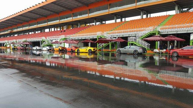 Cường Đô-la cùng dàn siêu xe đại gia Sài thành đua xe tại Bình Dương - Ảnh 4.