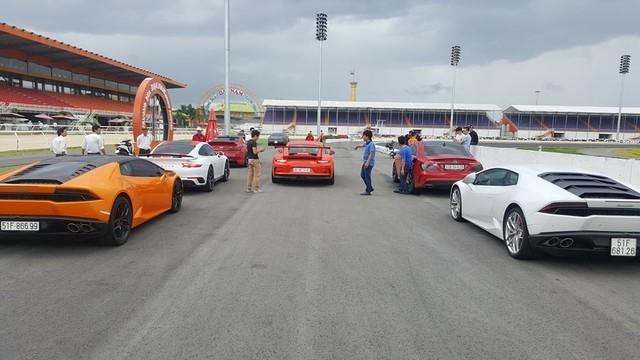 Cường Đô-la cùng dàn siêu xe đại gia Sài thành đua xe tại Bình Dương - Ảnh 3.