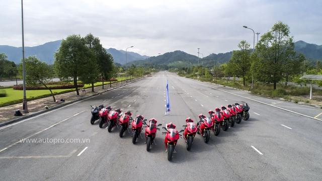 Hà Nội: Hàng chục xe Ducati Panigale hội tụ - Ảnh 4.