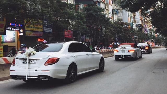 Mercedes-Maybach S600 trị giá 14,2 tỷ Đồng cùng dàn xe sang rước dâu đình đám tại Hà thành - Ảnh 1.