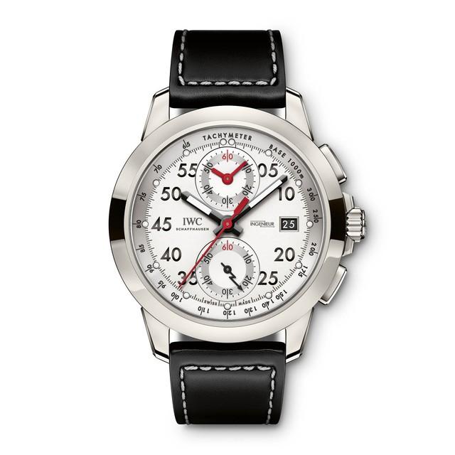 IWC cho ra mắt đồng hồ giới hạn kỷ niệm 50 năm thành lập của AMG - Ảnh 1.